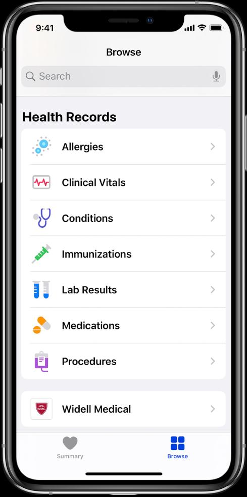 Zaslon Zdravstveni podaci u aplikaciji Zdravlje. Zaslon navodi kategorije koje uključuju Alergije, Klinički znakovi života i Zdravstvena stanja. Ispod popisa kategorija nalazi se tipka za Widell Medical. Na dnu zaslona, odabrana je tipka Traži.