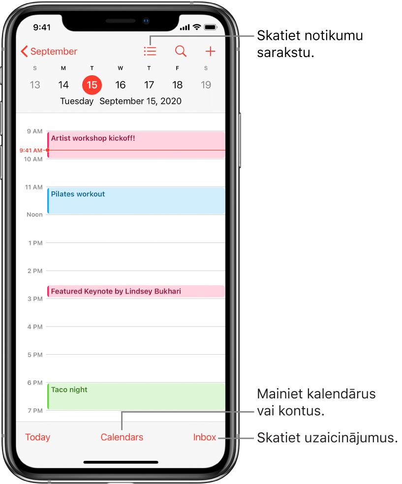 Kalendārs dienas skatā, kurā redzami dienas pasākumi. Pieskarieties pogai Calendars ekrāna apakšdaļā, lai mainītu kalendāra kontus. Pieskarieties pogai Inbox apakšējā labajā stūrī, lai skatītu uzaicinājumus