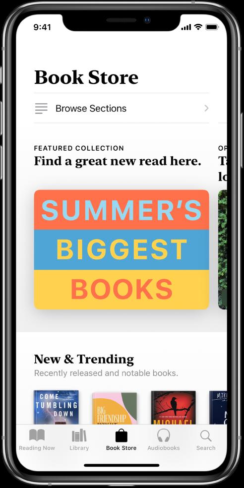 Dalam app Buku, skrin dalam Kedai Buku. Di bahagian bawah skrin ialah, dari kiri ke kanan, tab Sedang Dibaca, Pustaka, Kedai Buku, Buku Audio dan Cari--tab Kedai Buku dipilih. Skrin juga menunjukkan buku dan kategori buku untuk melayar dan membeli.