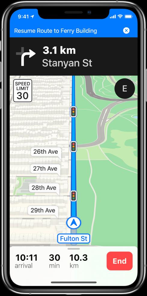 Et kart med veibeskrivelser med bil med et blått banner øverst på skjermen for å gjenoppta en rute til Ferry Building.