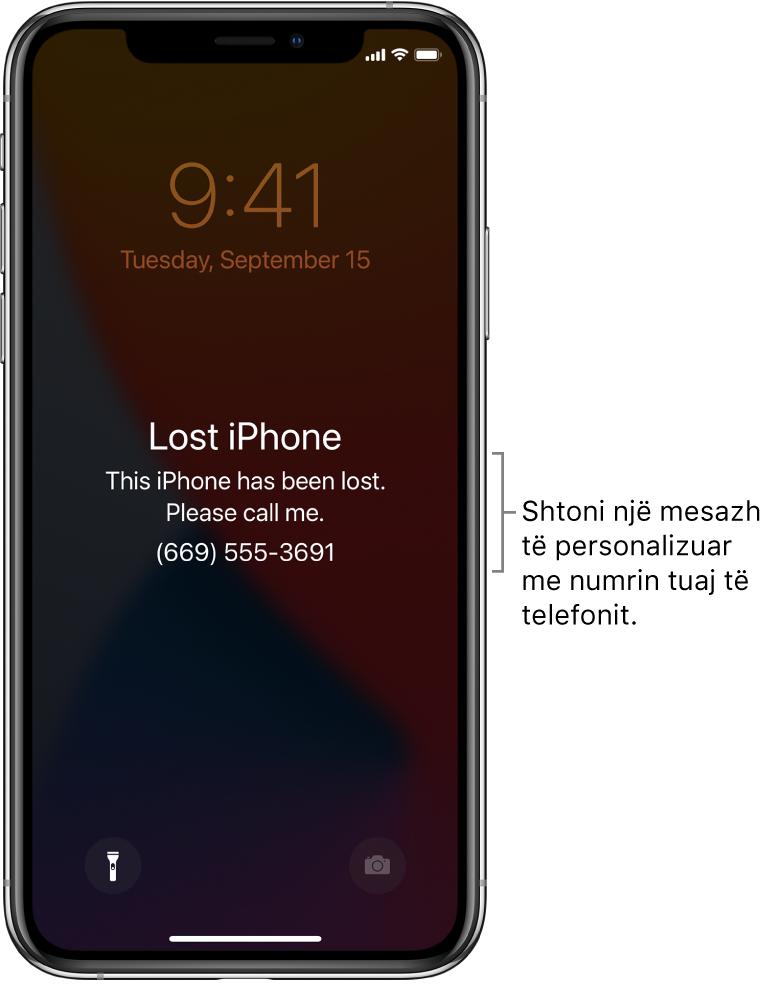 """Një ekran Lock Screen në iPhone me mesazhin: """"Lost iPhone. This iPhone has been lost. Please call me. (669) 555-3691."""" Mund të shtoni një mesazh të personalizuar me numrin tuaj të telefonit."""