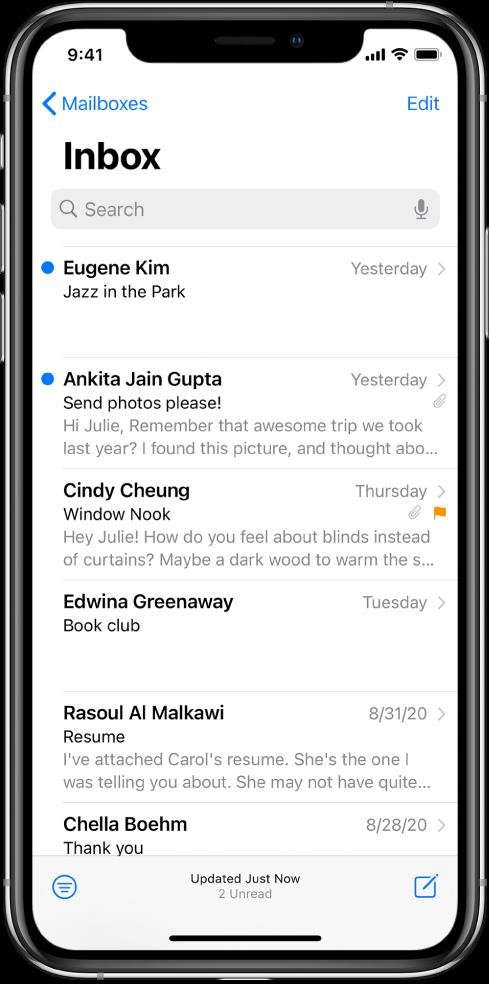 Преглед е-поште у ставци Inbox на којем се види име пошиљаоца, време слања, тема и прва два реда е-поште.