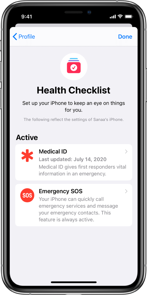 """""""健康核对清单""""屏幕,显示医疗急救卡和 SOS 紧急联络处于活跃状态。"""
