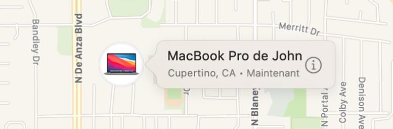 Un gros plan sur l'icône d'informations du MacBookPro de John.