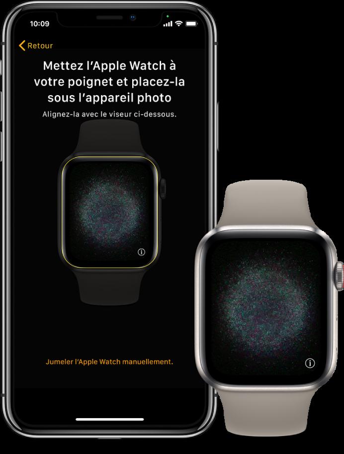 Un iPhone et une AppleWatch, côte à côte. L'écran de l'iPhone affiche les instructions de jumelage et l'AppleWatch est visible dans le viseur; l'écran de l'AppleWatch illustre le jumelage.