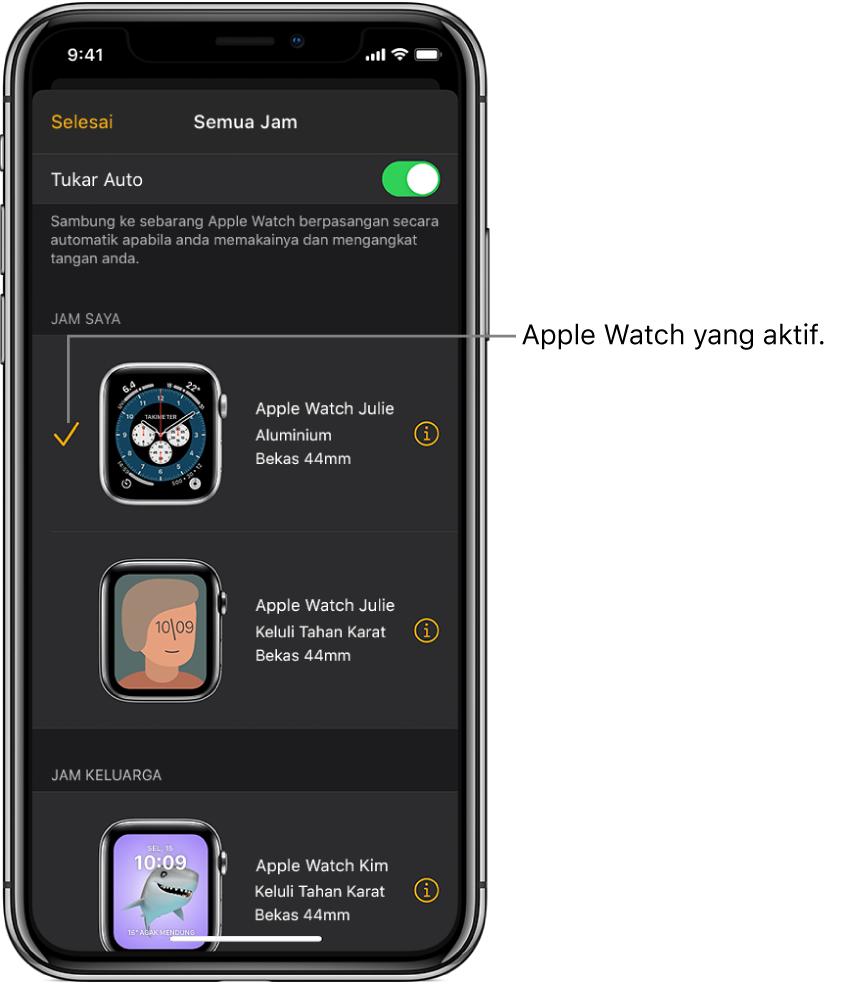 Dalam skrin Semua Jam pada app Apple Watch, tanda semak menunjukkan Apple Watch yang aktif.