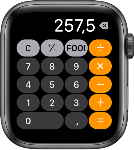 AppleWatch met de Rekenmachine-app. Op het scherm zie je een klassiek toetsenblok met rechts wiskundige functies. Bovenin staan de knoppen voor wissen, optellen, aftrekken en fooien.