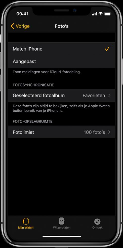 Instellingen voor Foto's in de AppleWatch-app op de iPhone, met in het midden de instelling 'Fotosynchronisatie' en daaronder de instelling 'Fotolimiet'.