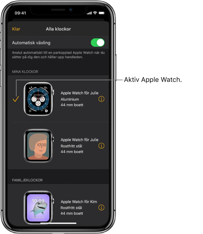 På skärmen Alla klockor i appen AppleWatch visar en bockmarkering vilken AppleWatch som är aktiv.