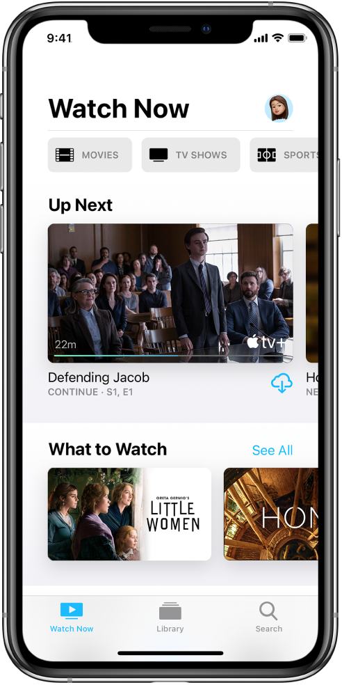 """Ekranas """"Watch Now"""" su viršutinėje eilutėje esančiais mygtukais """"Movies"""", """"TV Shows"""" ir """"Sports"""". Eilutė """"Up Next"""" rodoma centre, virš eilutės """"What to Watch"""". Apačioje iš kairės į dešinę yra skirtukai """"Watch Now"""", """"Library"""" ir """"Search""""."""