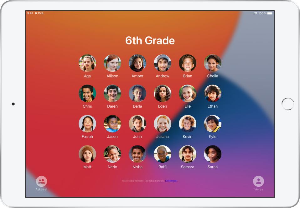 Jaettu iPad, jossa näkyy oppilaiden kuvia.