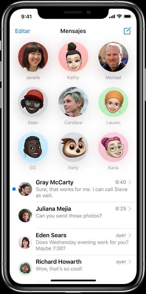 Lista de conversaciones de la app Mensajes. En la parte superior de la pantalla se muestran las imágenes de nueve contactos en círculos, lo cual indica que están fijados. Debajo está la lista de conversaciones.