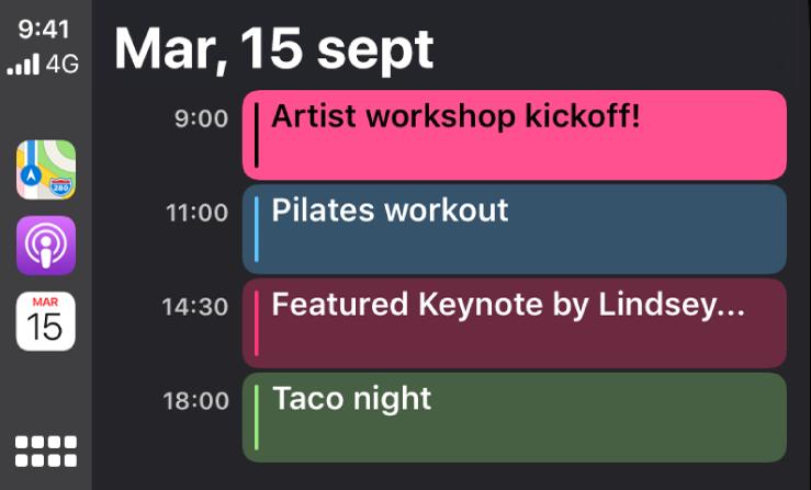 Pantalla de un calendario en CarPlay con cuatro eventos para el martes, 15 de septiembre.