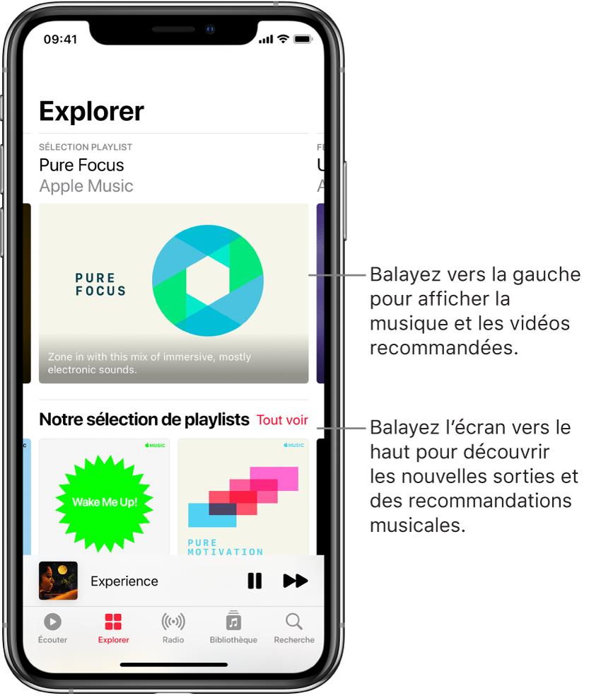 L'écran Parcourir présentant des recommandations musicales en haut. Vous pouvez balayer vers la gauche pour afficher davantage de recommandations musicales et vidéos. Une section «Nos choix de playlists» s'affiche en dessous, avec deux stations AppleMusic. Un bouton «Tout voir» est affiché à droite «À écouter». Vous pouvez balayer l'écran vers le haut pour découvrir de nouvelles musiques et des musiques recommandées.