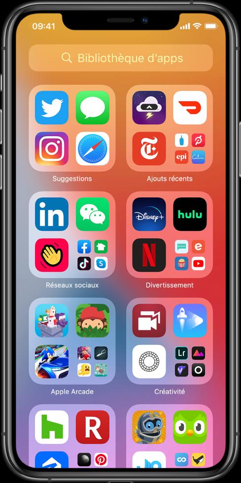 La bibliothèque d'apps de l'iPhone affichant les apps organisées par catégorie (Suggestions, Ajouts récents, Réseaux sociaux, Divertissement,etc.).