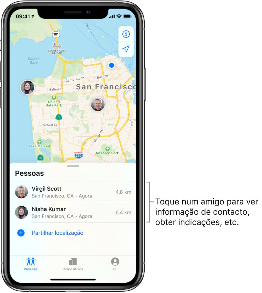 O ecrã de Encontrar aberto no separador Pessoas. Há dois amigos na lista Pessoas: André Silva e Marta Ferreira. As localizações são mostradas no mapa de São Francisco.