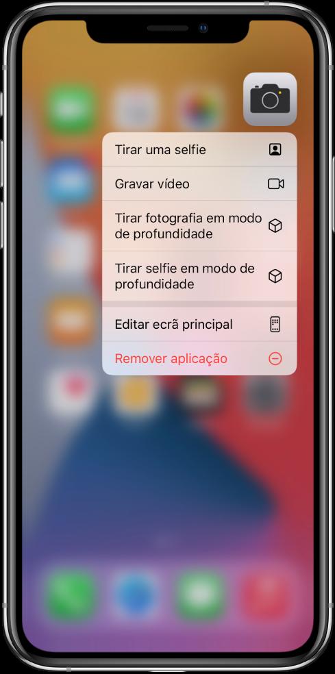 Ecrã principal desfocado com o menu de ações rápidas da Câmara em primeiro plano, por baixo da aplicação.