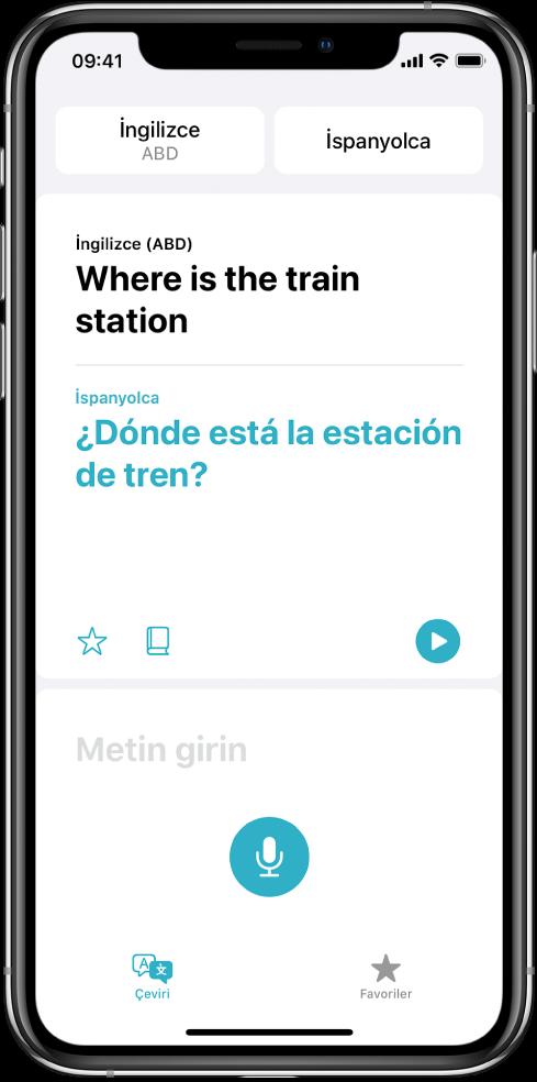 Çeviri ekranının en üstünde seçili iki dil (İngilizce ve İspanyolca), orta kısmında bir çeviri ve alt tarafında Metin girin alanı gösteriliyor.