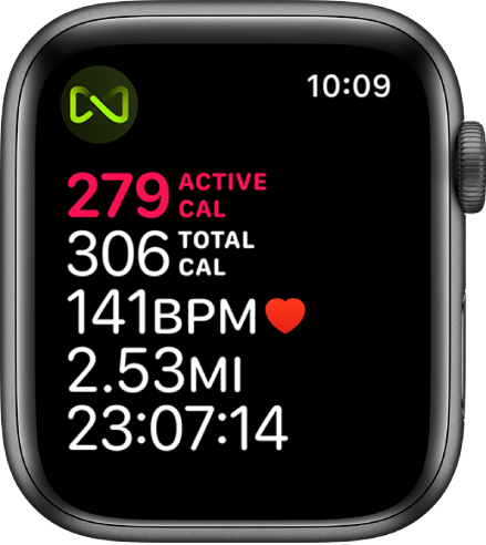 A Workout screen that details a treadmill workout. A symbol in the top-left corner indicates that Apple Watch is wirelessly connected to the treadmill.