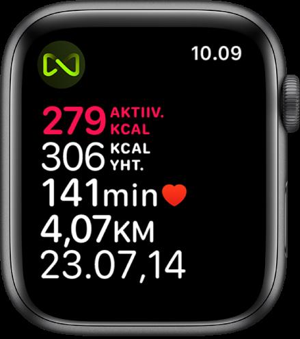 Treeni-näyttö, joka näyttää yksityiskohtia juoksumattotreenistä. Symboli ylävasemmassa kulmassa kertoo, että AppleWatch on langattomassa yhteydessä juoksumattoon.