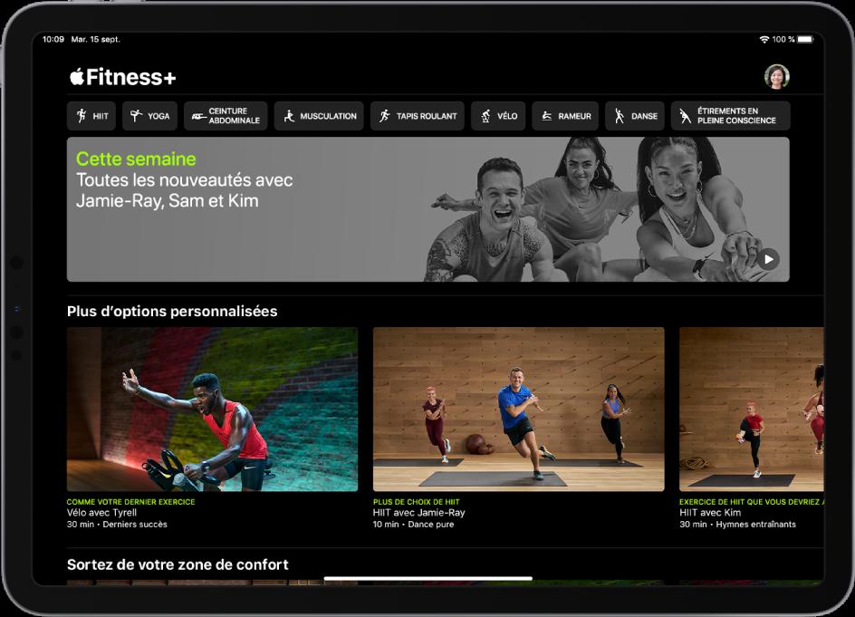 La page principale de Fitness+ qui présente les types d'entraînement, une vidéo sur les nouveaux entraînements de la semaine et les entraînements recommandés.