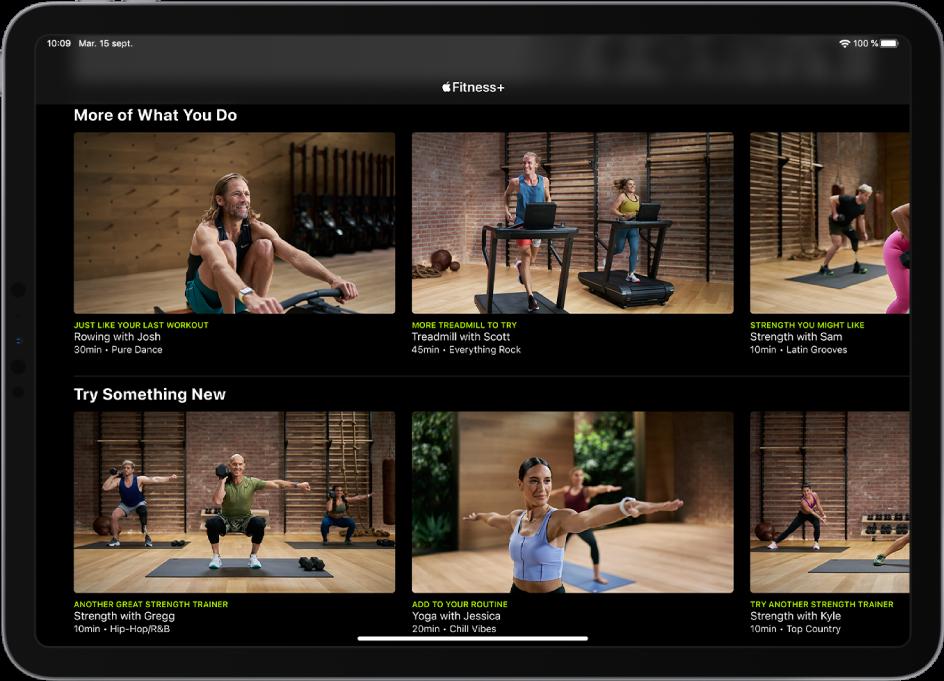 iPad affichant des exercices Fitness+ dans les catégories «Exercices similaires à ceux que vous faites» et «Essayer quelque chose de nouveau».