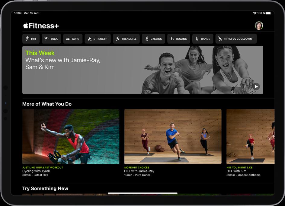 Page principale de Fitness+ affichant des types d'exercices, une vidéo pour les nouveaux exercices cette semaine et des exercices recommandés.