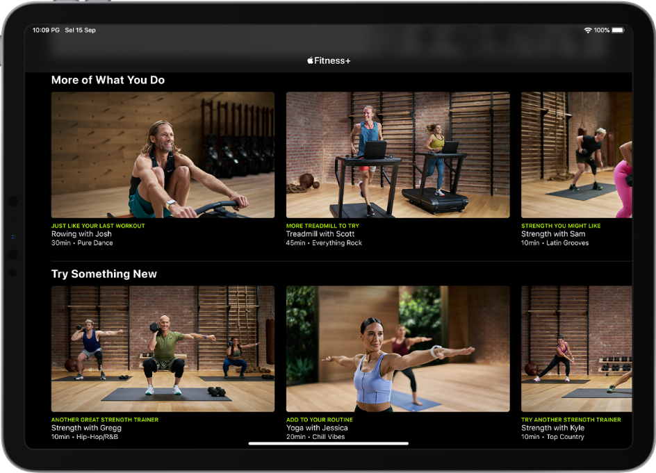 iPad menunjukkan latihan Fitness+ dalam kategori More of What You Do (Lagi Perkara yang Anda Lakukan) dan Try Something New (Cuba Sesuatu yang Baru).