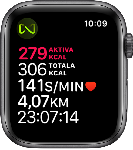 En träningsskärm som visar detaljer om en löpbandsträning. En symbol i det övre vänstra hörnet visar att Apple Watch är trådlöst ansluten till löpbandet.