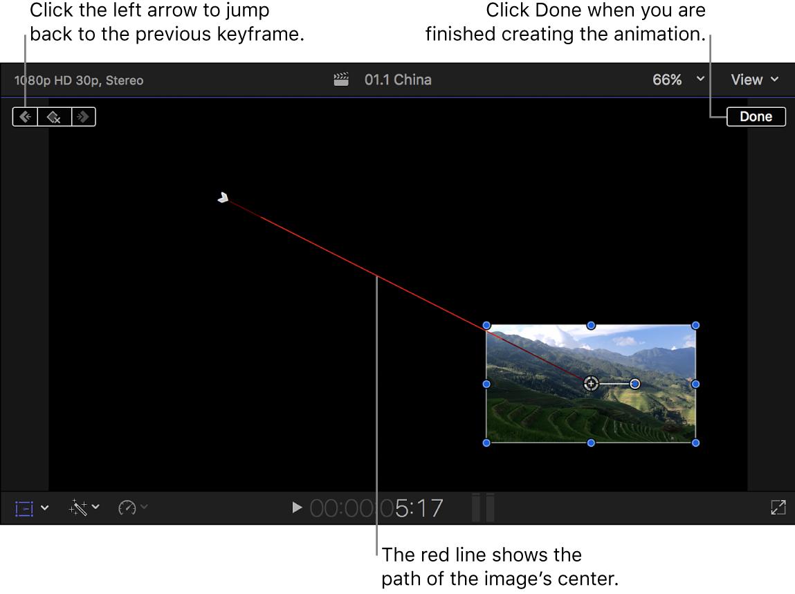 """Der Viewer mit dem Effekt """"Transformieren"""" mit zwei eingestellten Keyframes und einer roten Linie zwischen den Keyframes, die den Bildpfad anzeigt"""