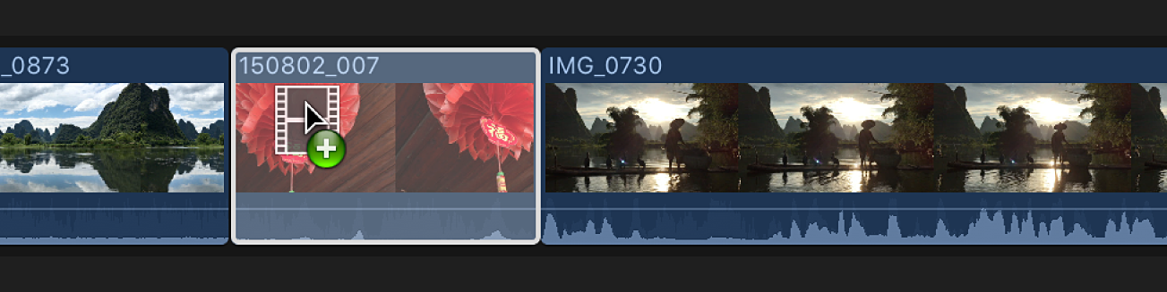 Eine weiße Umrandung um einen Clip in Timeline, der durch einen anderen Clip ersetzt wird