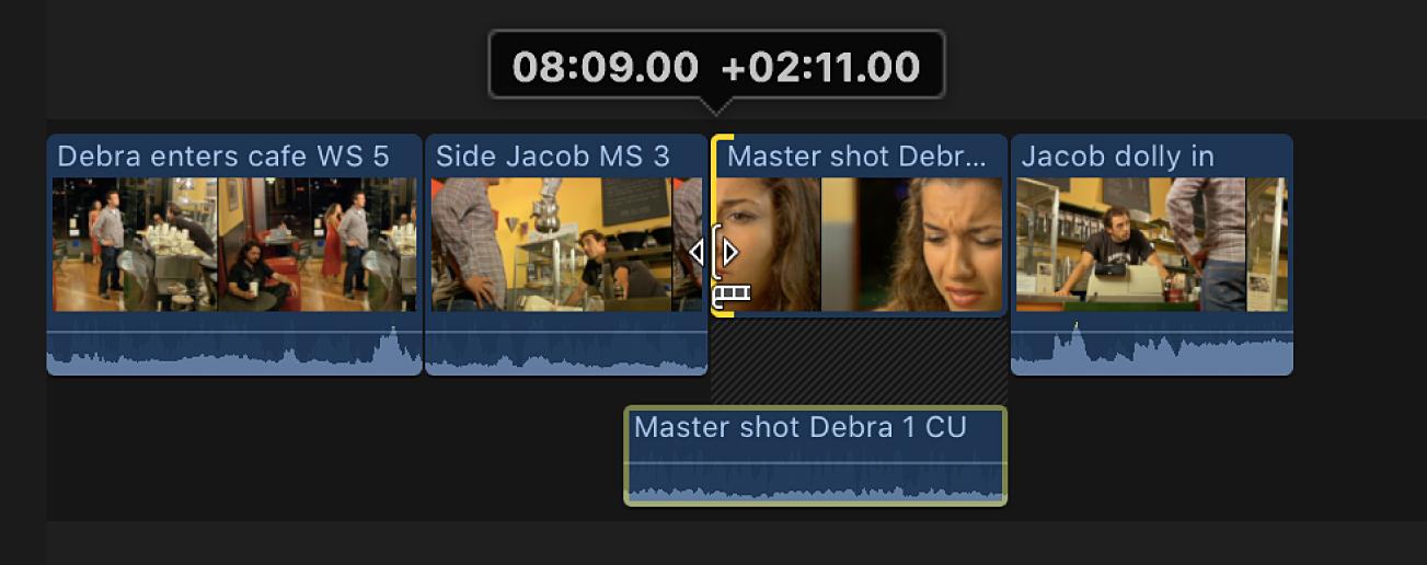 Der Startpunkt des Videos wird nach rechts bewegt, wodurch ein Audioabschnitt des Clips Audio des vorhergehenden Clips überlappt
