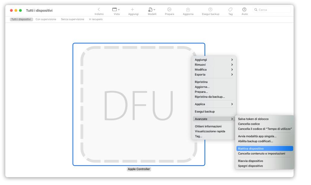 """Apple Configurator 2 che mostra un Mac con l'opzione """"Riattiva dispositivo"""" selezionata dal menu a comparsa."""
