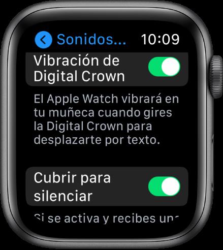 """La pantalla """"Vibración de DigitalCrown"""" mostrando la vibración de la DigitalCrown activada. El botón """"Cubrir para silencia"""" se encuentra debajo."""