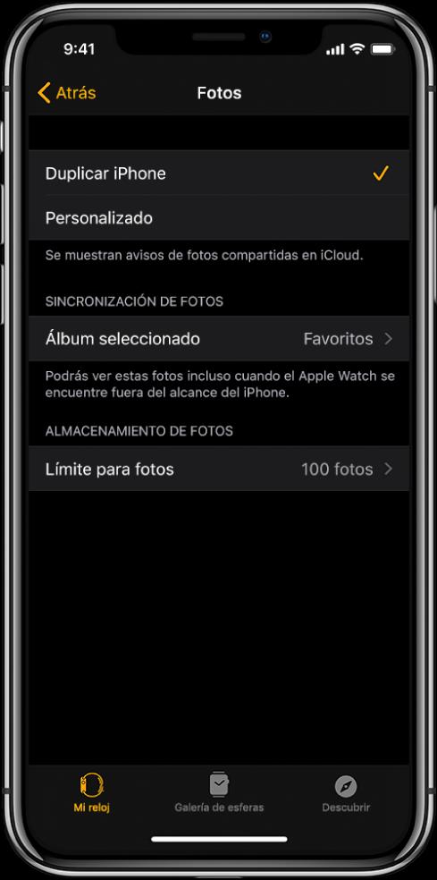 """Ajustes de Fotos en la app AppleWatch del iPhone, con el ajuste """"Sincronización de fotos"""" en el medio y el ajuste """"Límite para fotos"""" debajo."""