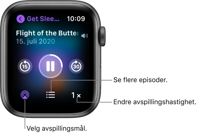 En Spilles nå-skjerm i Podkaster, med programtittel, episodetittel, dato, Gå tilbake 15 sekunder-knappen, pauseknappen, Gå fram 30 sekunder-knappen, AirPlay-knappen, episodeknappen og knappen for avspillingshastighet.