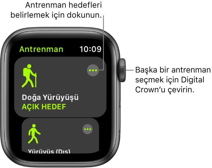 Doğa yürüyüşü antrenmanının vurgulandığı Antrenman ekranı. Daha Fazla düğmesi sağ üstte. Yürüyüş (Dış) antrenmanının bir kısmı da altta.