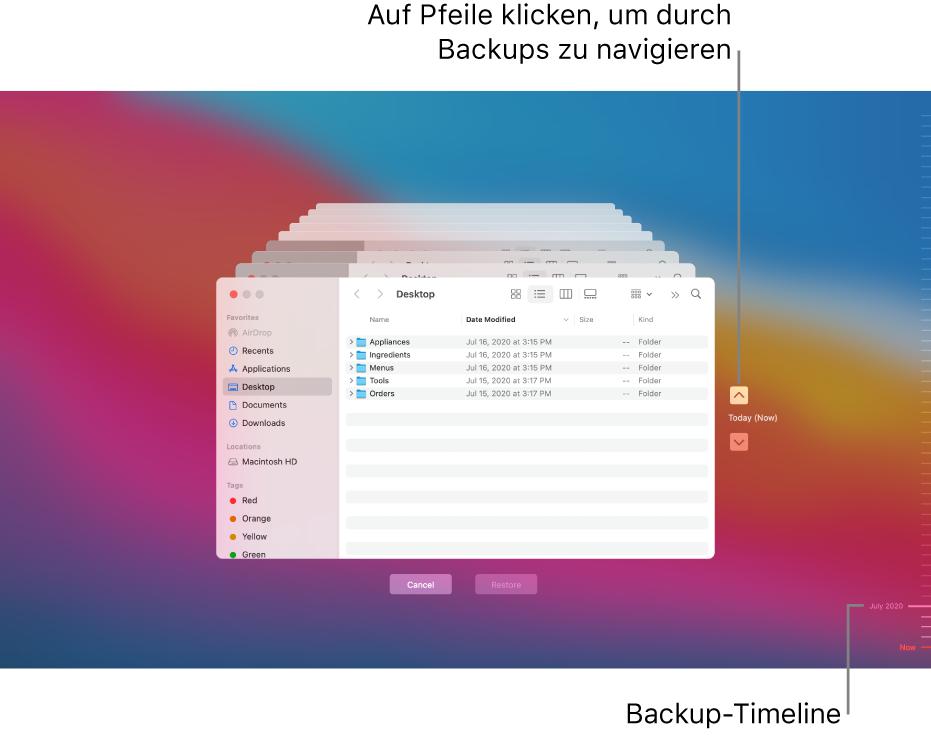 Beim Öffnen von Time Machine ist die Anzeige auf dem Bildschirm verzerrt und es sind mehrere gestapelte Finder-Fenster für die Backups zu sehen. Klicke auf die Pfeile, um in den Backups zu navigieren (oder klicke rechts auf die Backup-Timeline) und wähle die Dateien für die Wiederherstellung aus.