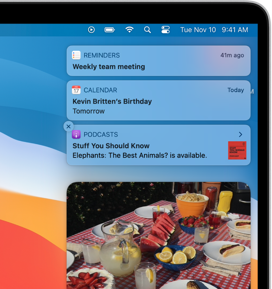The top-right corner of the Mac desktop showing notifications and app widgets.