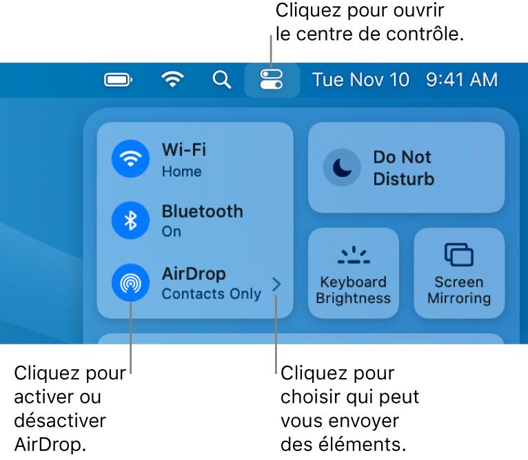 Une fenêtre du centre de contrôle qui affiche les commandes pour activer ou désactiver AirDrop et choisir qui peut vous envoyer des éléments.
