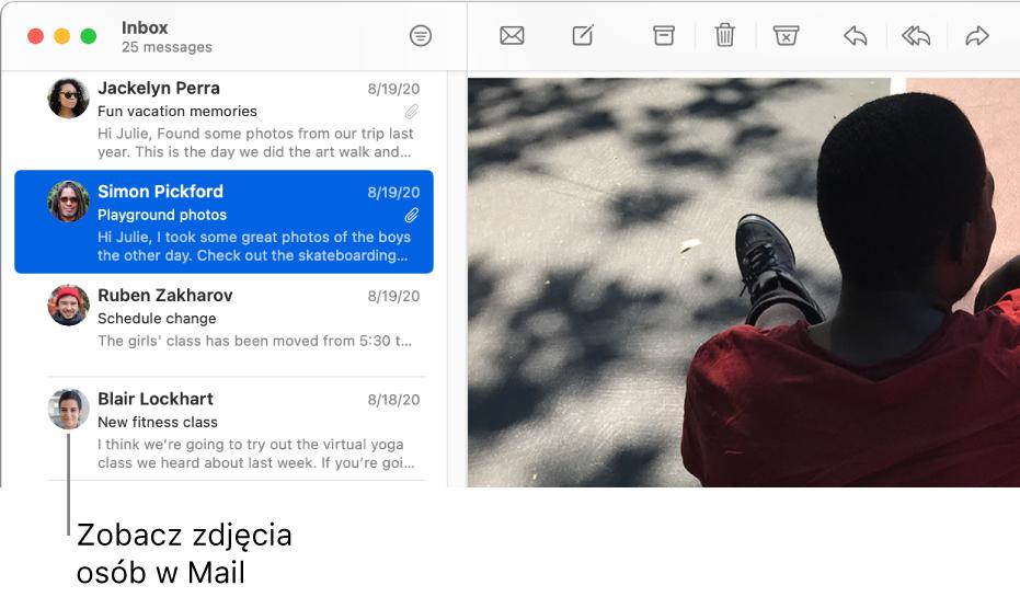 Okno aplikacji Mail zlistą wiadomości. Obok nazw nadawców wyświetlane są ich obrazki.