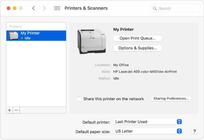 หน้าต่างโต้ตอบเครื่องพิมพ์และเครื่องสแกนแสดงตัวเลือกสำหรับตั้งค่าเครื่องพิมพ์ และรายการเครื่องพิมพ์ที่มีปุ่มเพิ่มและปุ่มเอาออกสำหรับเพิ่มหรือเอาเครื่องพิมพ์ที่อยู่ด้านล่างสุดออก