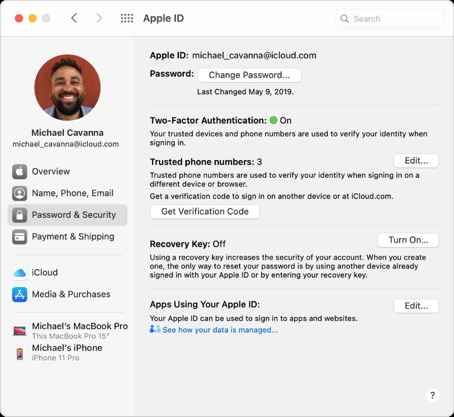 การตั้งค่า Apple ID ที่แสดงแถบด้านข้างของตัวเลือกบัญชีประเภทต่างๆ ที่คุณสามารถใช้ได้ และการตั้งค่ารหัสผ่านและความปลอดภัยสำหรับบัญชีที่มีอยู่