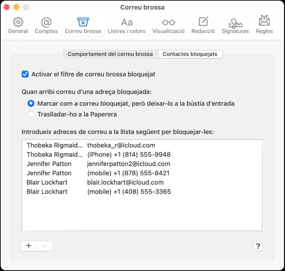 """El tauler de preferències """"Contactes bloquejats"""" amb una llista de remitents bloquejats. La casella per activar el filtratge de correu bloquejat està activada, així com l'opció per marcar el correu bloquejat però de manera que es desi a la bústia d'entrada quan arribi."""