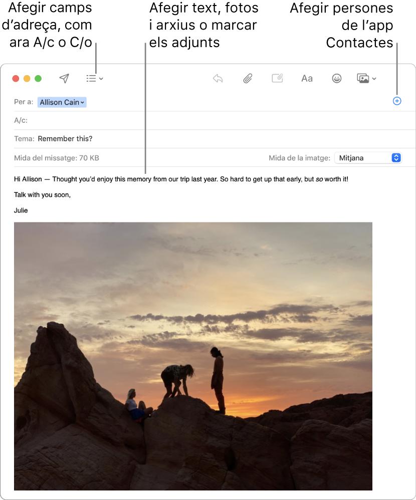 """Una nova finestra de missatge indicant el botó """"Camps de capçalera"""", el botó Afegir en un camp d'adreça per afegir persones de Contactes i mostrant una imatge marcada al cos del missatge."""