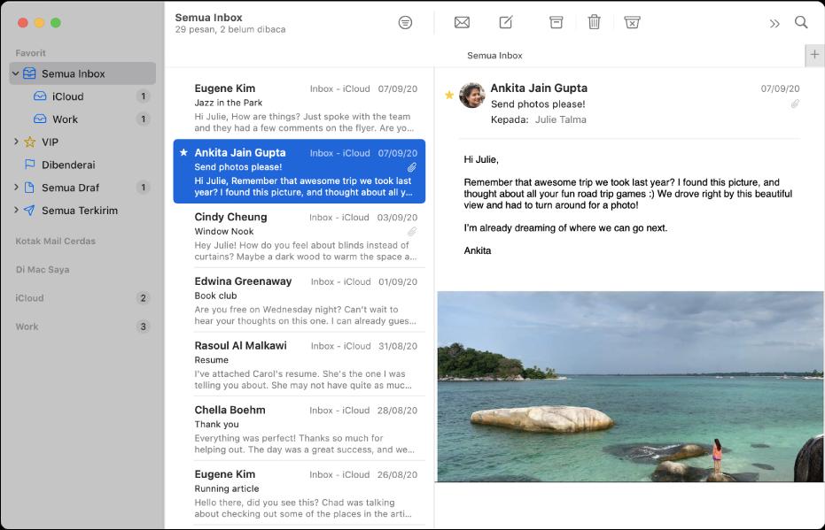 Bar samping di jendela Mail menampilkan inbox untuk akun iCloud dan Kantor.