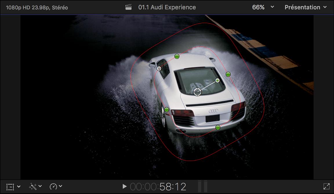 Visualiseur affichant un masque de forme placé autour d'une image de voiture; tous les éléments à l'extérieur du masque sont assombris