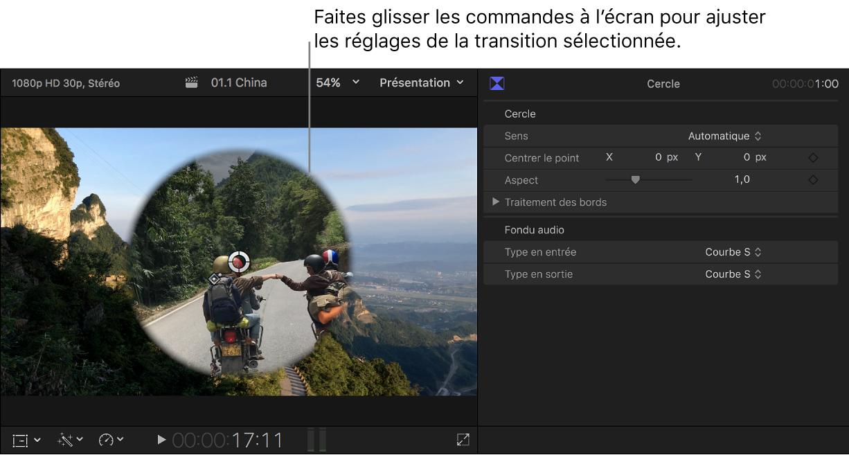 Visualiseur affichant des commandes à l'écran pour la transition sélectionnée et inspecteur de transition ouvert à droite