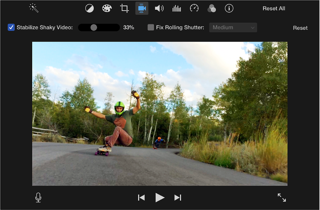 Stabilize Shaky Video checkbox selected above clip in viewer