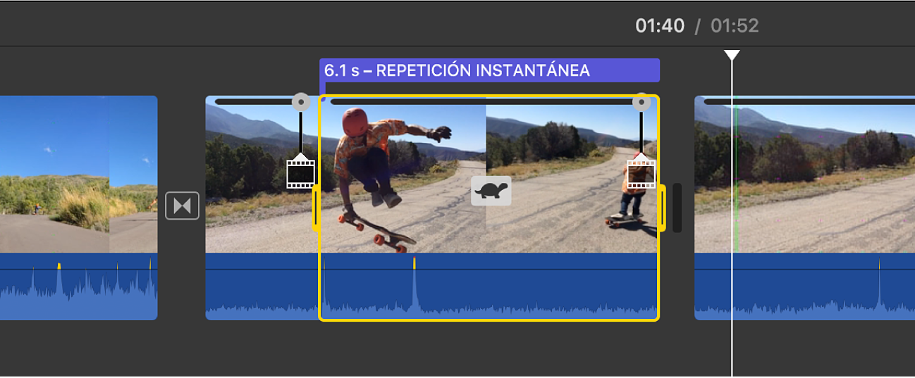 """Clip en la línea de tiempo donde se muestra un segmento de repetición instantánea con el ícono de tortuga, un regulador de velocidad en la parte superior y el título """"Repetición instantánea"""" por encima"""